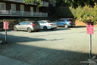 Gunn House Hotel - parking lot