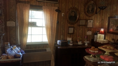 Gunn House - Breakfast